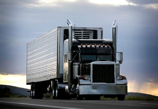 photodune-3150185-truck-xs_2.jpg